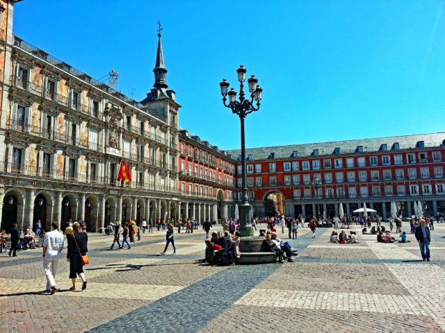 plaza-major-madrid-poracci-in-viaggio