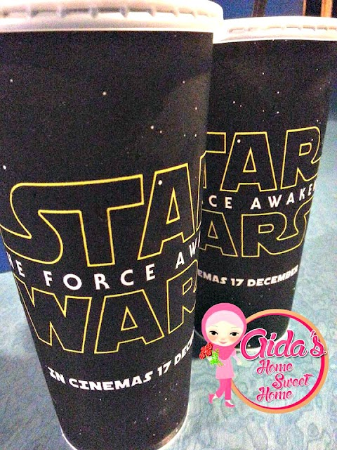 MALAM INI LAYAN STAR WARS: THE FORCE AWAKENS :)