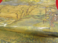 金や銀の色に東海道五十三次が描かれています