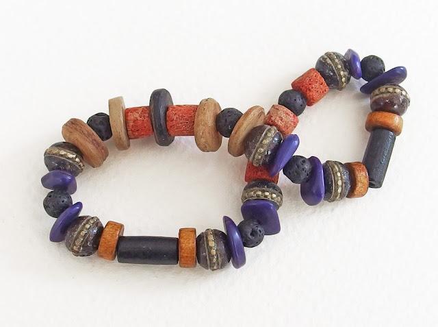 https://www.alittlemarket.com/bijoux-pour-hommes/fr_bracelet_ethnique_pour_homme_matiere_brute_et_sauvage_d_os_de_yak_de_bois_de_lave_de_corne_noir_marron_rouille_-16023795.html
