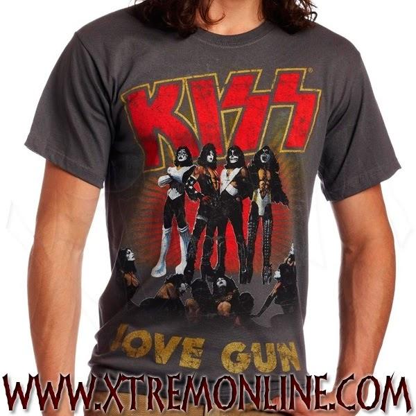 e57ecfb304e3b Con el estilo Grunge surgen también las camisetas con los símbolos de las  bandas del momento como AC DC o Led Zepelín.