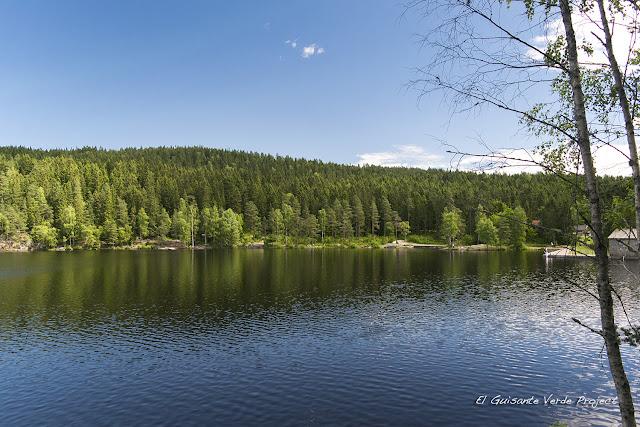 Zona de baño en Steinbruvann, Lillomarka - Oslo por El Guisante Verde Project