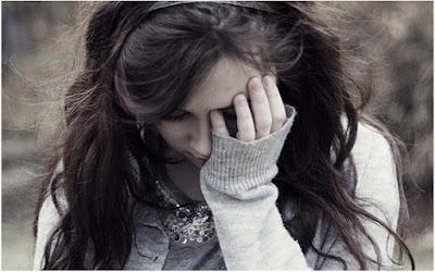 صور خلفيات بنات حزينة فراق