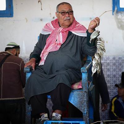 Subastador de pescado en Djerba