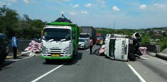 Kecelakaan Di Semarang, Novelis NH Dini Meninggal Dunia