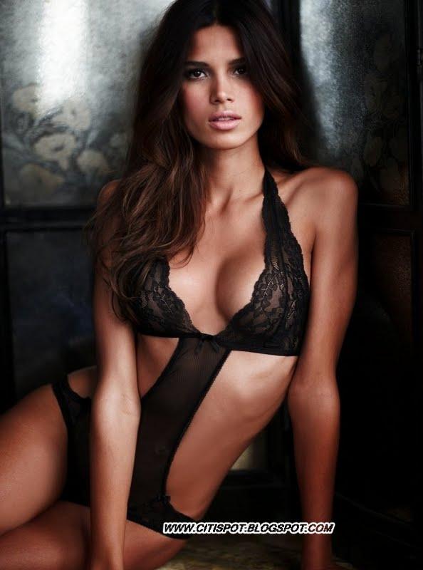 Naked girl big boobs
