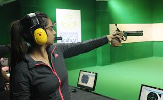 मानव रचना यूनिवर्सिटी में तीन दिवसीय निशानेबाज़ी प्रतियोगिता का हुआ शुभारम्भ पहेले दिन पिस्टल से निशाने लगाए शूटर शवेता चौधरी ने