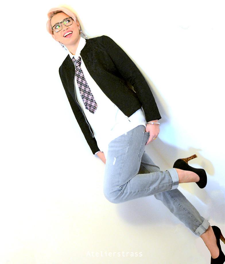 tacones y corbata