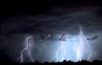 przerażająca burza