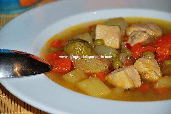 Sopa de pollo fácil