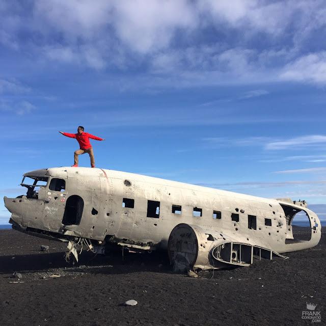DC-3 abandonado en playa de islandia