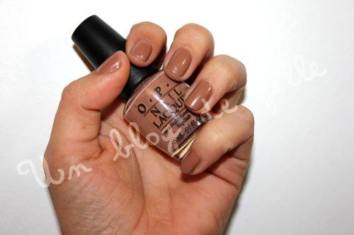 http://unblogdefille.blogspot.fr/2012/03/manucure-opi-san-tan-tonio.html