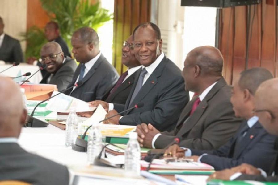 Voici les lois, décrets et ordonnances récemment adoptés en Conseil des ministres