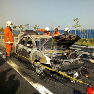 Dua Maut Kereta Terbakar