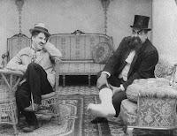 """Кадр из фильма Чарли Чаплина """"Лечение"""" (1917) - 7"""