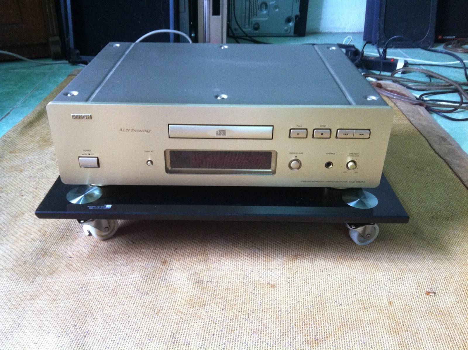 Mặt trước đầu CD - Denon DCD1650AR