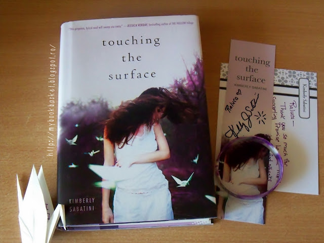 Touching the Surface de Kimberly Sabatini