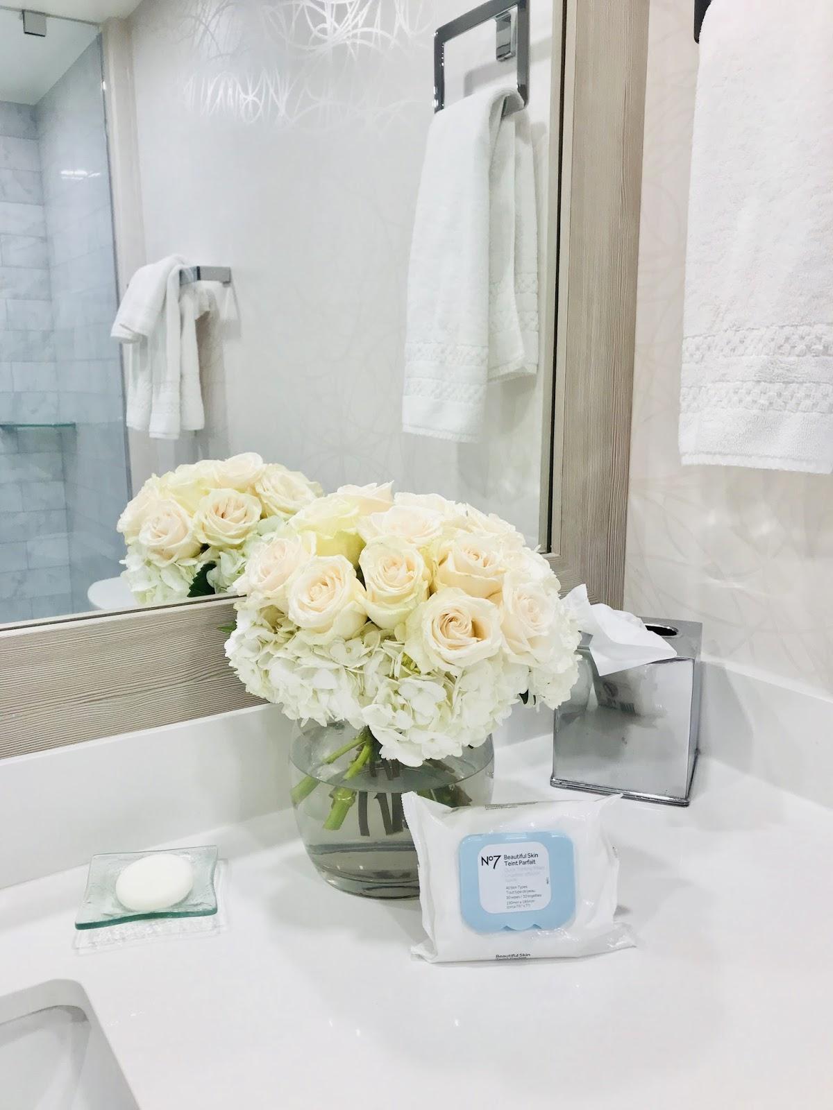 Bijuleni | How To Unwind at White Oaks Resort & Spa, Niagara on the Lake | Girls Weekend Getaway| Makeup removal
