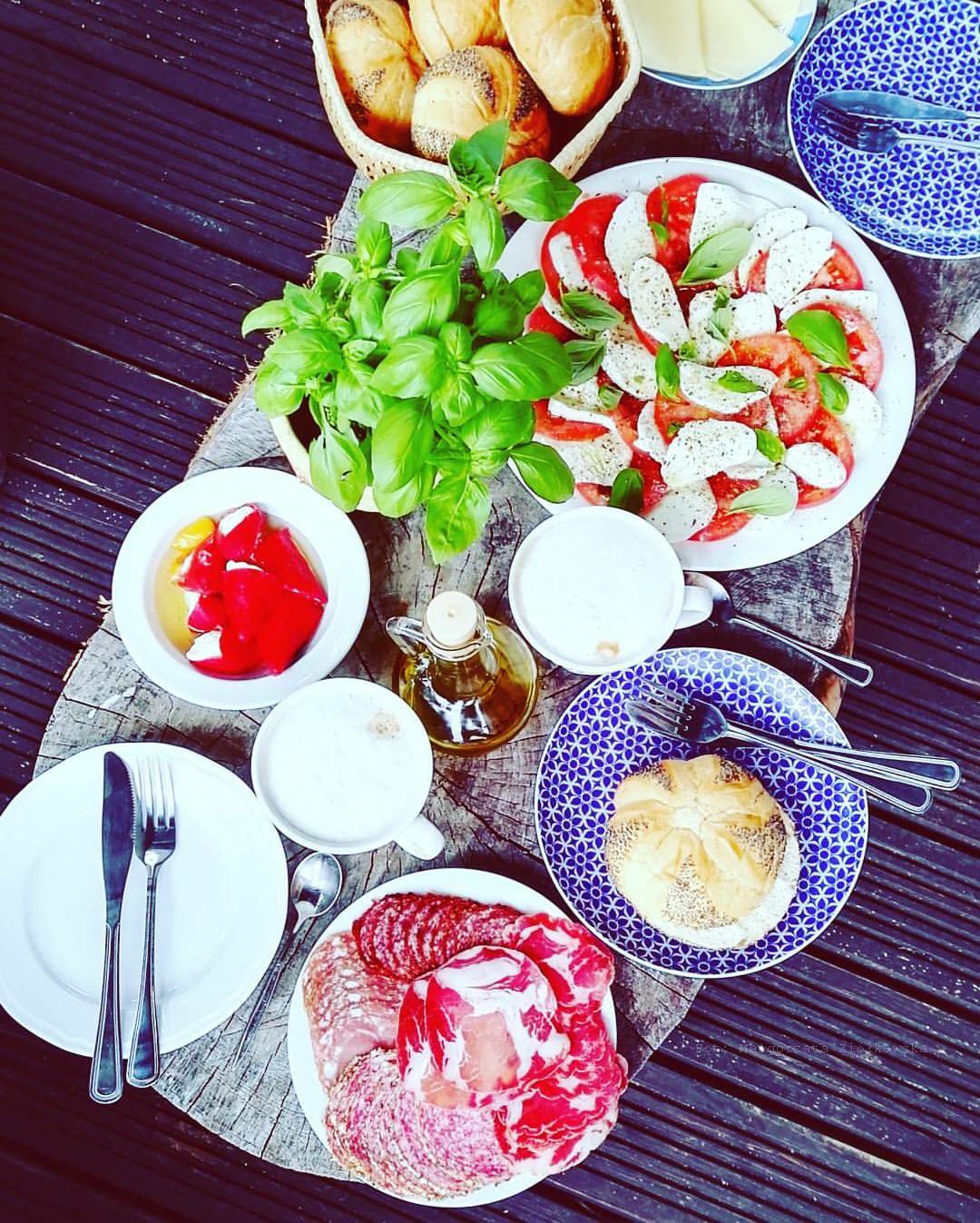 Śniadanie w kolorze włoskiej flagi