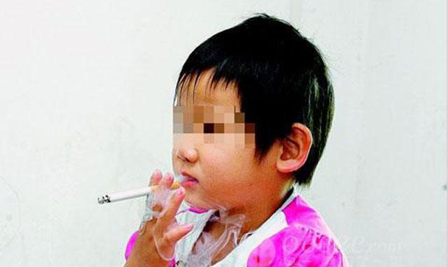 Bocah 3 Tahun Kecanduan Rokok Setelah Bangun Dari Koma