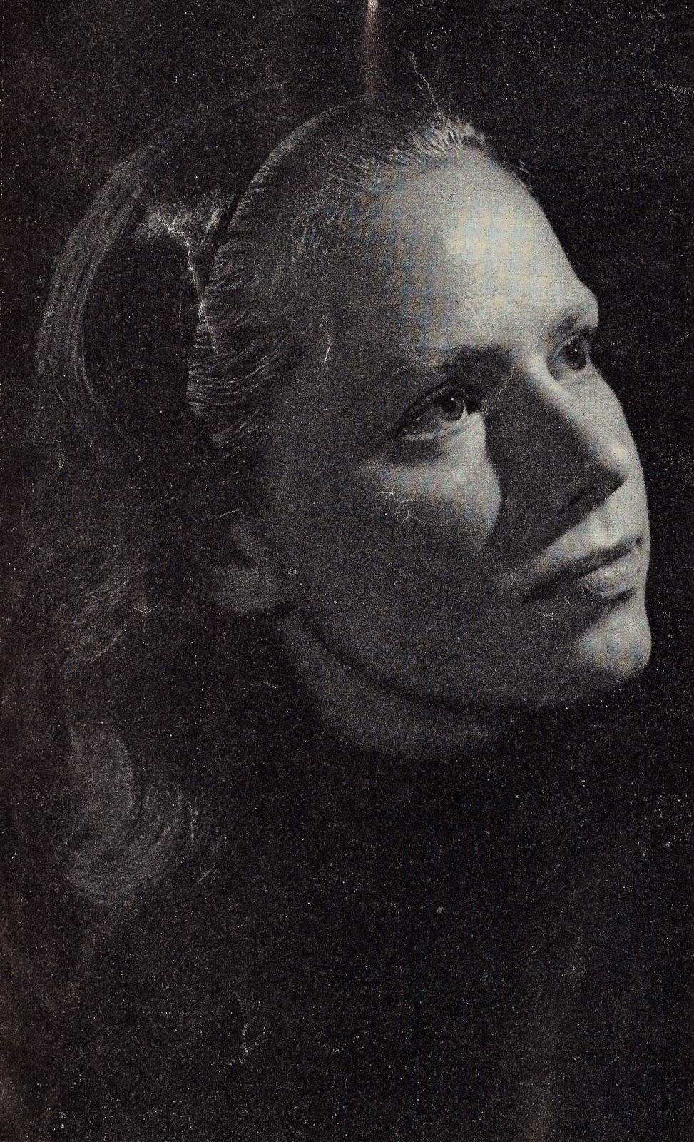 Jacqueline Dupre Nude Photos 91