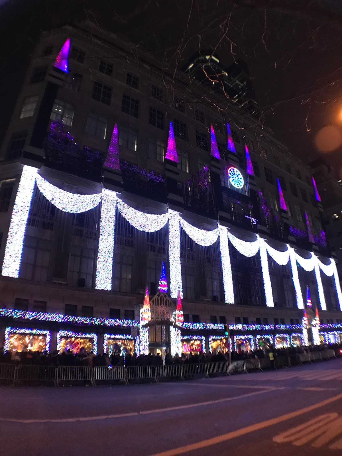 Most Of Them Are Tourists From Different Parts Of The World, Judging From  Their Comments While Admiring The Light Show.