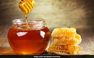 honey is the best remedy to get rid from cracked feet