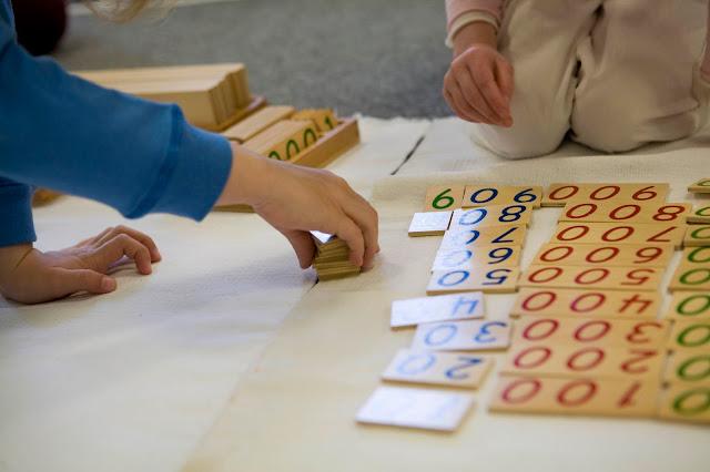 دورات تدريبية اونلاين: منهج منتسوري لرياض الأطفال و دورات تعليم التفكير و المزيد
