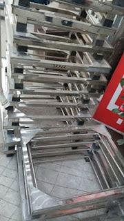 Bán chân đế kệ tủ lạnh Inox tại Hà Nội
