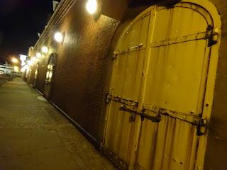 金森赤レンガ倉庫の扉