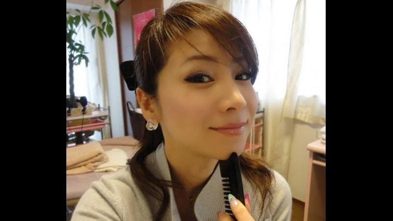 Masako Mizutani tetap seksi walau berusia 49 tahun