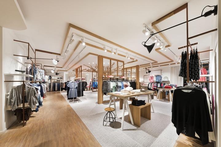 Modehaus reichle un dise o interior casi l dico alemania for Diseno de interiores almacenes de ropa