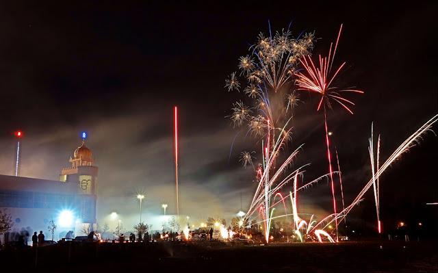 diwali fireworks image | city scene
