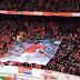 """Έτσι αποχαιρέτησαν τον Κρόιφ στο """"Άμστερνταμ Αρένα"""" - ΒΙΝΤΕΟ"""