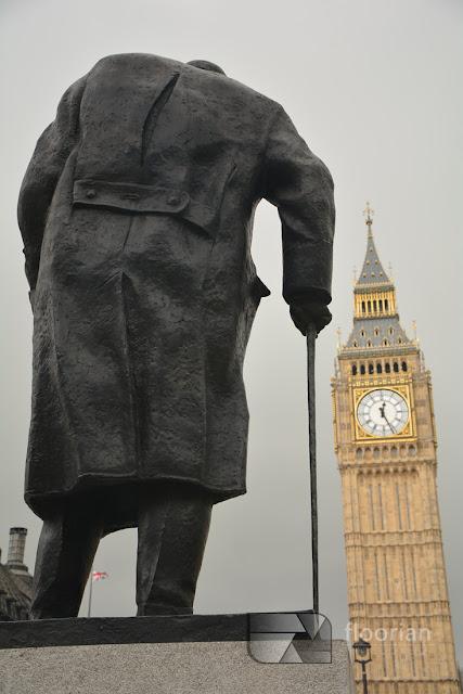 Pomnik Churchila i Big Ben - największa atrakcja turystyczna Londynu