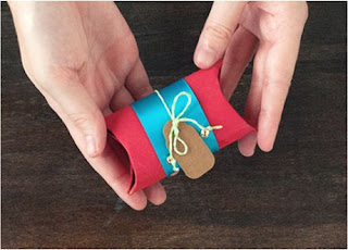 como-hacer-cajas-de-regalos-navideños-con-tubo-de-papel-higienico
