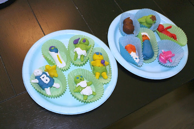 Baby shower game- Guests make babies out of playdough and the mom-to-be has to pick the best one!