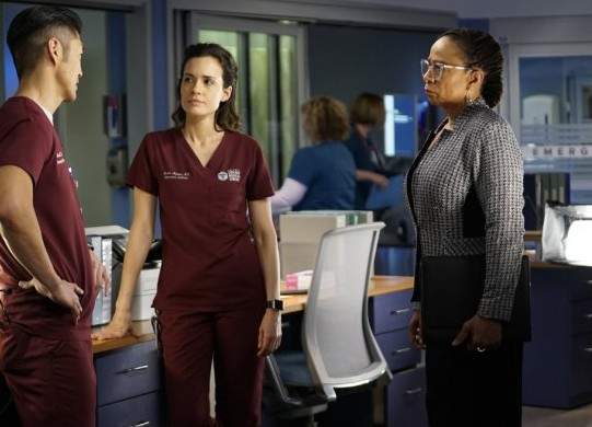 "NUP 186386 0014 595 Spoiler%2BTV%2BTransparent - Chicago Med (S04E20) ""More Harm Than Good"""