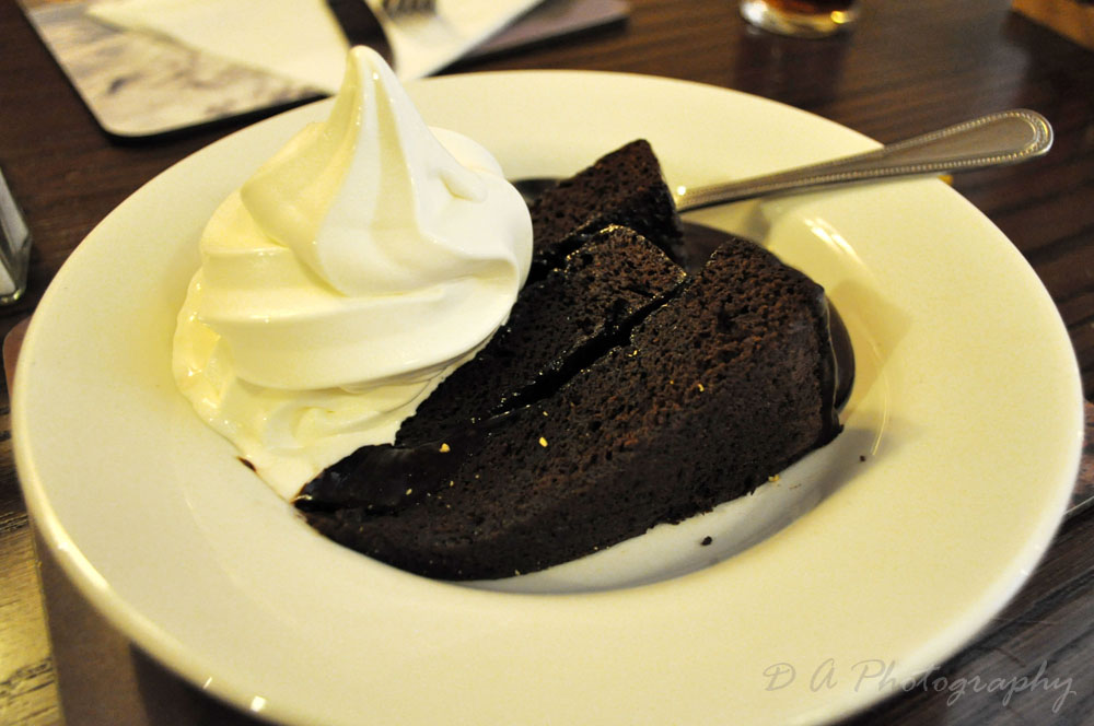 How Many Calories In Chocolate Cake And Custard