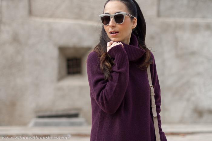 Cómo abrigarse con estilo Jersey de lana cuello alto vino selected con leggings y botines rosas