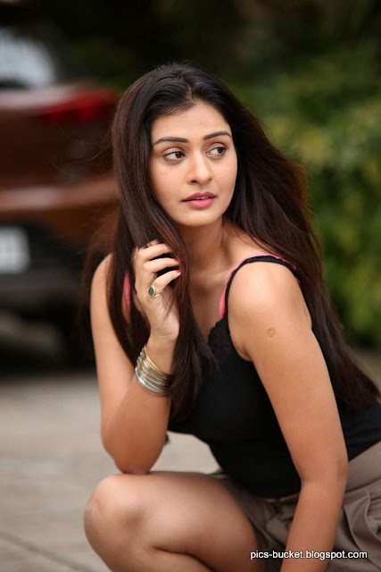 Actress Payal Rajput   PHOTO PHOTO GALLERY   : IMAGES, GIF, ANIMATED GIF, WALLPAPER, STICKER FOR WHATSAPP & FACEBOOK #EDUCRATSWEB