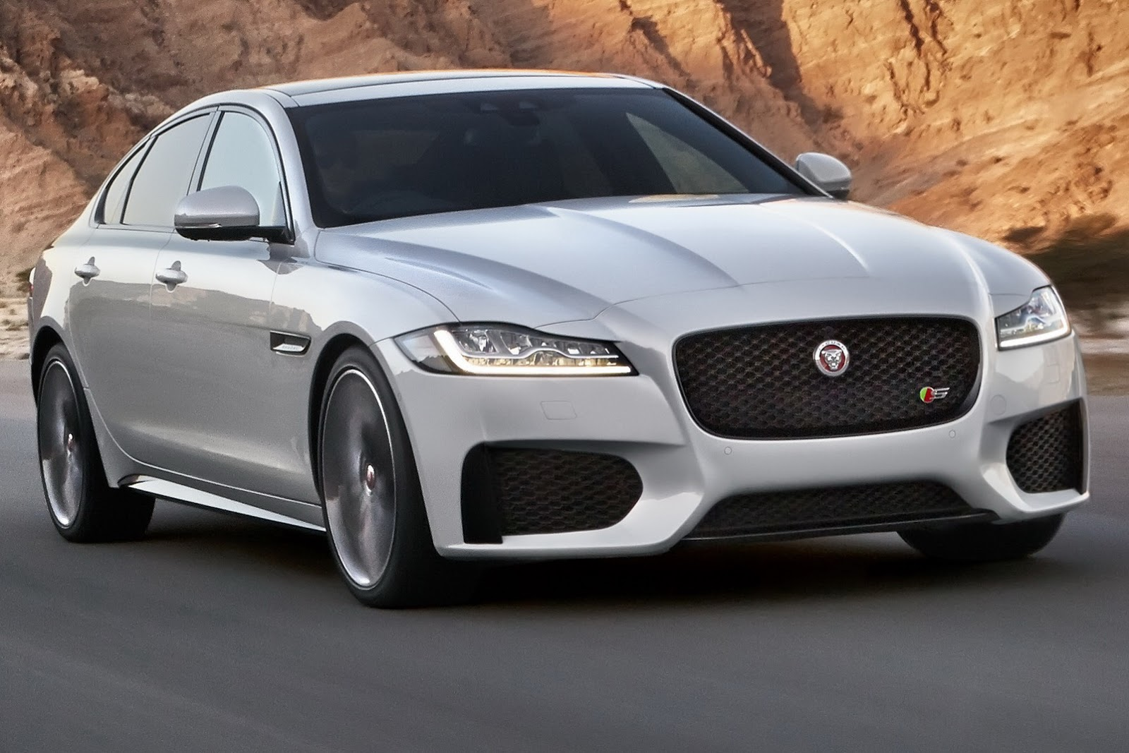 Jaguar's 2016 XF May Be All-New, But It Looks Overly