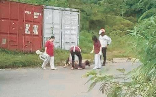 Image result for jururawat dirogol dan bogelkan kapit