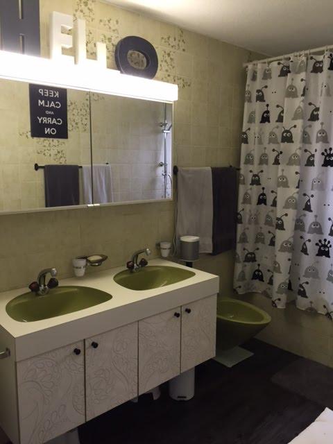 avant apr s une salle de bain metamorphoses. Black Bedroom Furniture Sets. Home Design Ideas