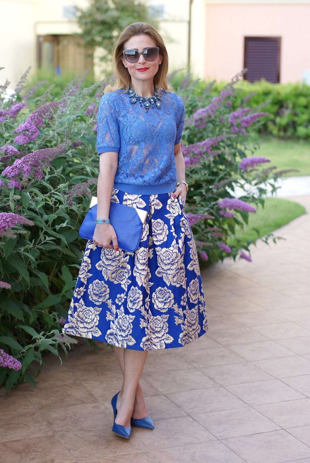 Fab 40s style, Jacquard midi skirt and see through lace t-shirt on Fashion and Cookies fashion blog, fashion blogger style