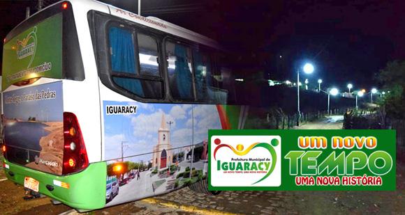 Ônibus para o TFD e Sistema de Iluminação ligando o centro ao Bairro São Sebastião. Mais duas conquistas do governo do prefeito Zeinha para Iguaracy.