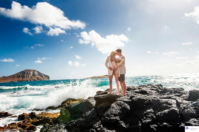 Maternity Photography at the Beach in Oahu