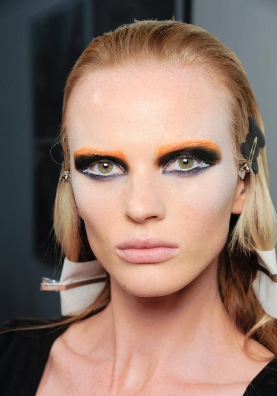 Ombre Hair Amp Orange Eyebrows Prada S Autumn 2012 Beauty
