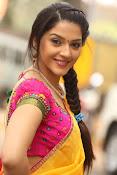 Mehreen Kaur glamorous photos gallery-thumbnail-8