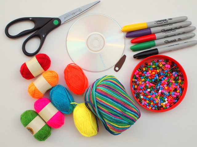 Materials to make woven cd dream catcher with kids